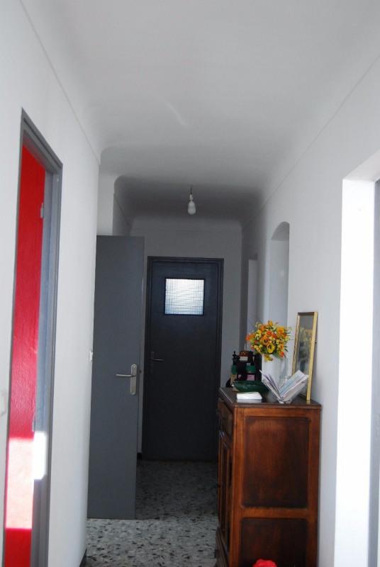 Location maison / villa Fontvieille 1080€ CC - Photo 4