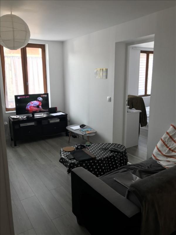 Rental apartment St quentin 470€ CC - Picture 1