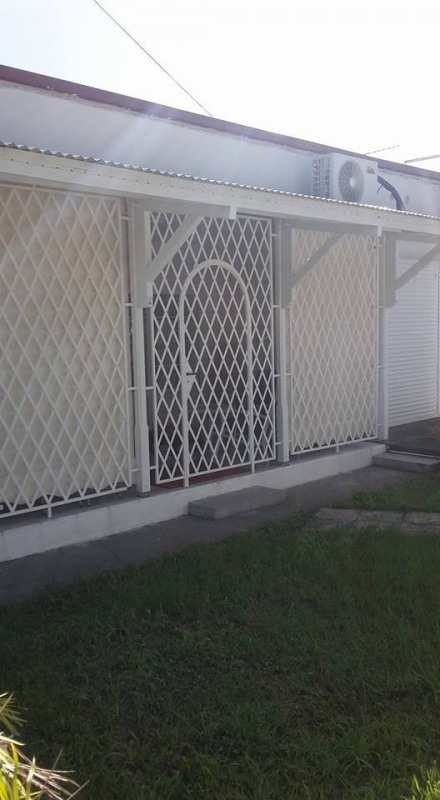 Investment property house / villa St claude 288 750€ - Picture 3