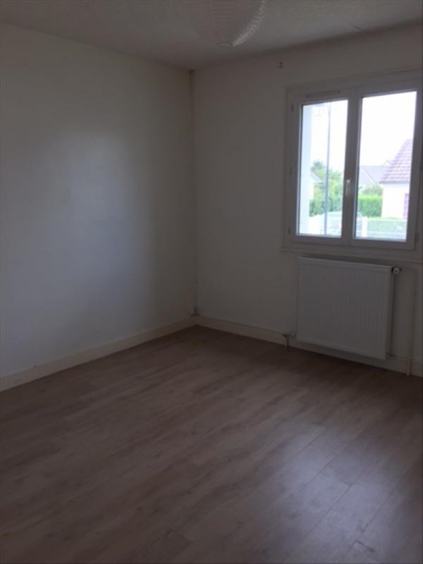 Location maison / villa Sainville 780€ +CH - Photo 4