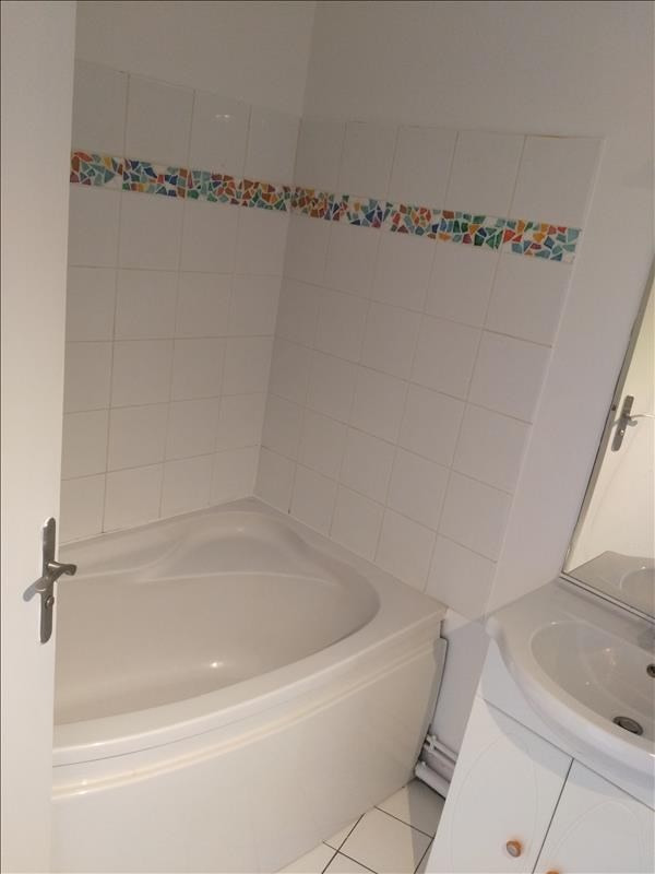 Location appartement Pontoise 840€ CC - Photo 5