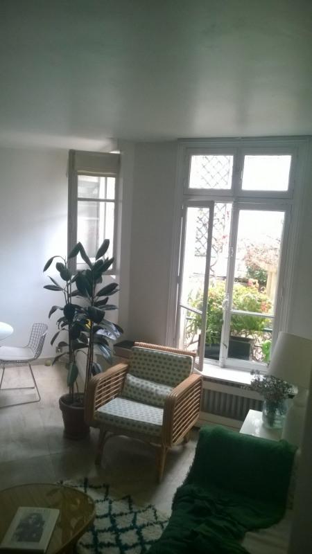 Sale apartment Paris 7ème 740000€ - Picture 2