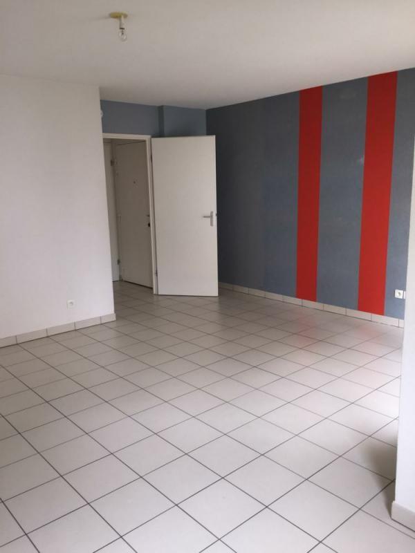 Sale apartment Lisieux 74000€ - Picture 1