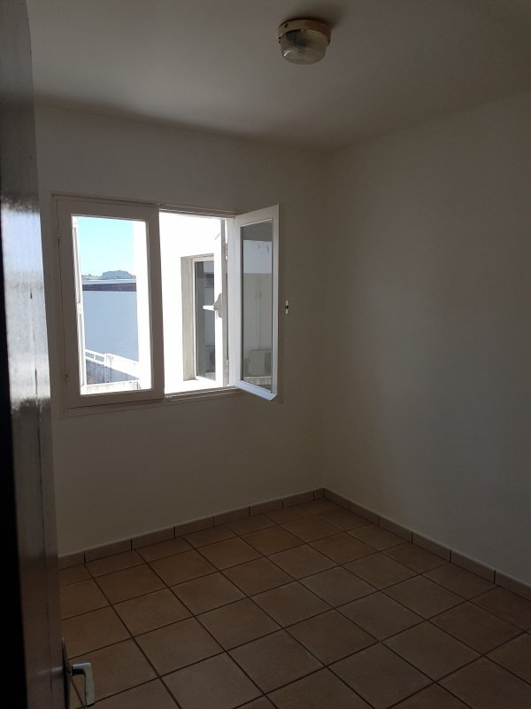 Location appartement Le tampon 535€ CC - Photo 3