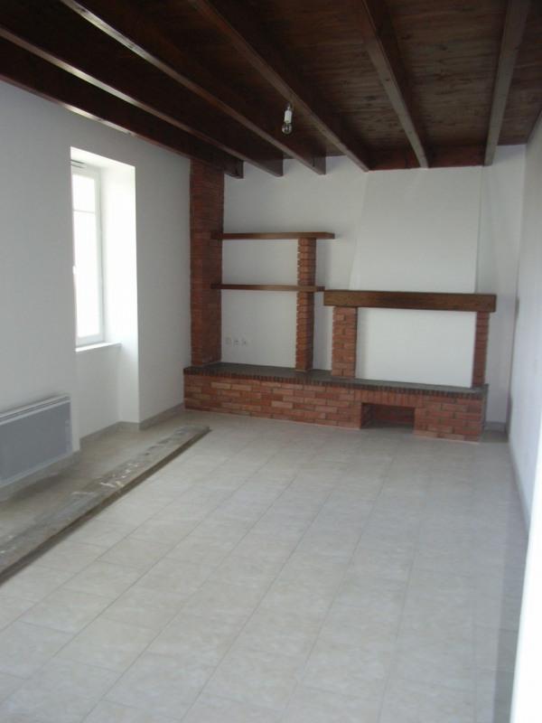 Location maison / villa Brie-sous-archiac 625€ CC - Photo 3
