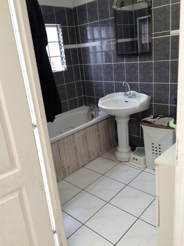 Sale house / villa Carvin 137000€ - Picture 6