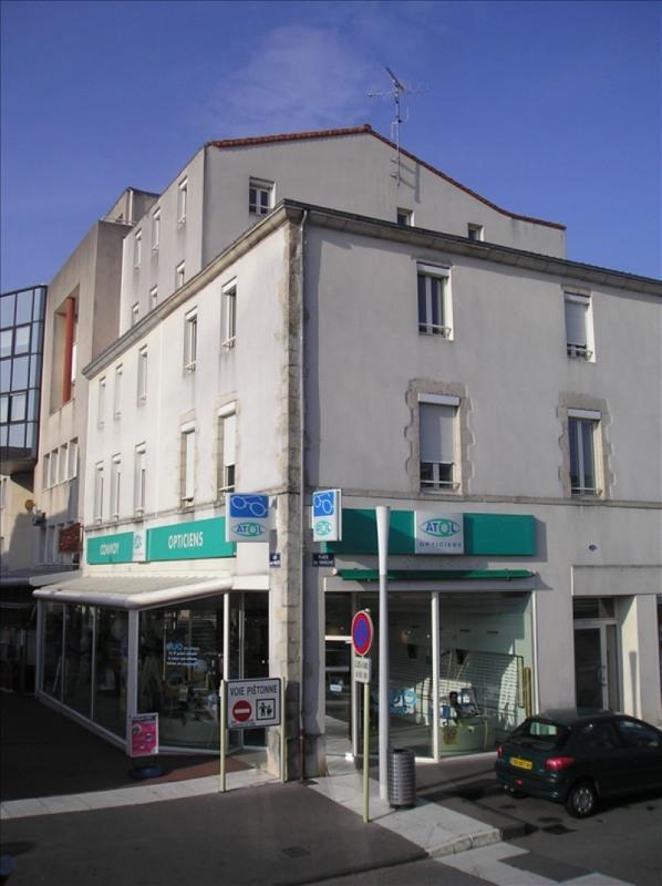 Location local commercial La roche sur yon 2048€ HT/HC - Photo 1