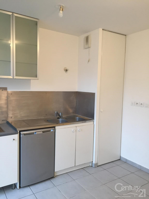 Location appartement Tassin la demi lune 325€ CC - Photo 2