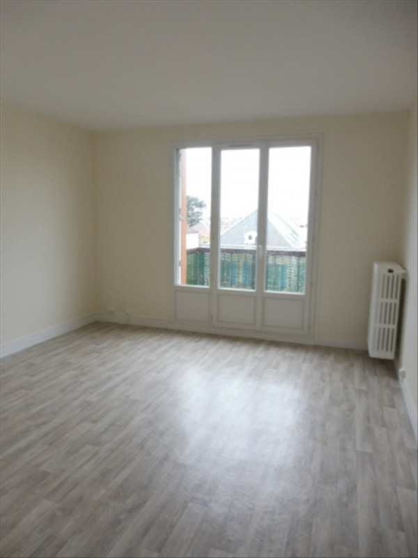 Rental apartment Gagny 890€ CC - Picture 2