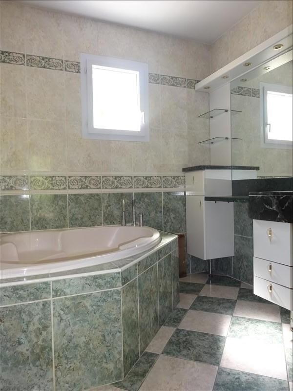 Sale house / villa St genis laval 379000€ - Picture 10