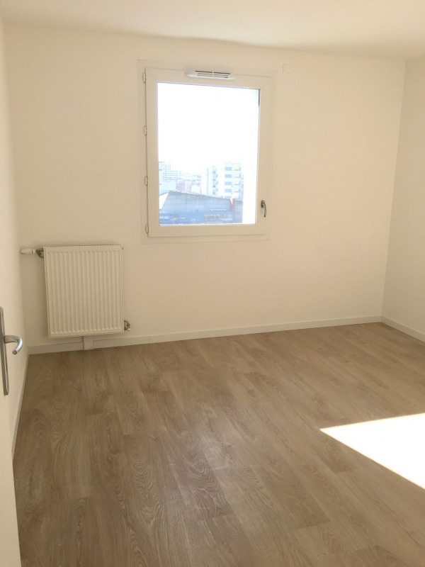 Rental apartment Asnières-sur-seine 990€ CC - Picture 15