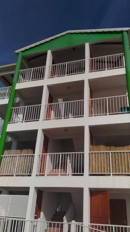Rental apartment Vieux habitants 650€ CC - Picture 2
