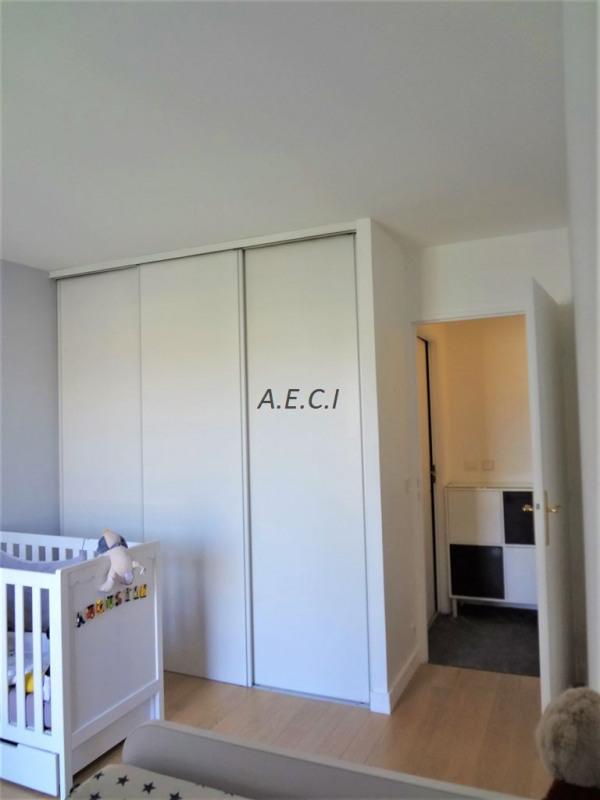 Sale apartment Courbevoie 598000€ - Picture 5