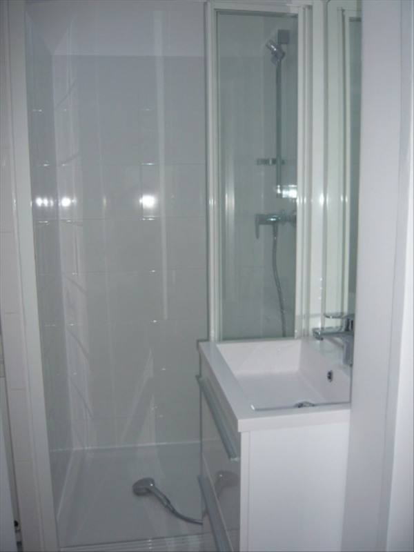 Location appartement Paris 1er 1 316€ CC - Photo 5