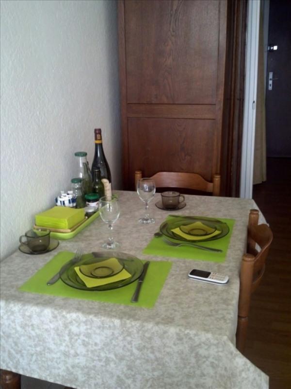 Locação apartamento Paris 18ème 830€ CC - Fotografia 3