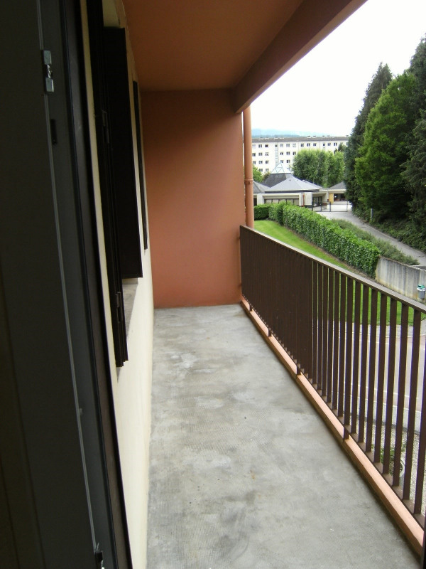 Location appartement Montmélian 670€ CC - Photo 2
