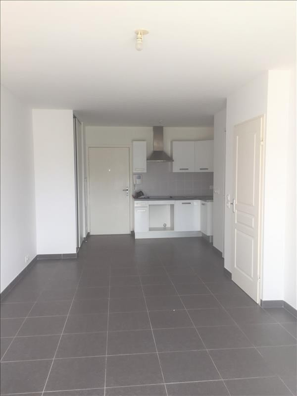 Rental apartment Marseille 9ème 695€ CC - Picture 1