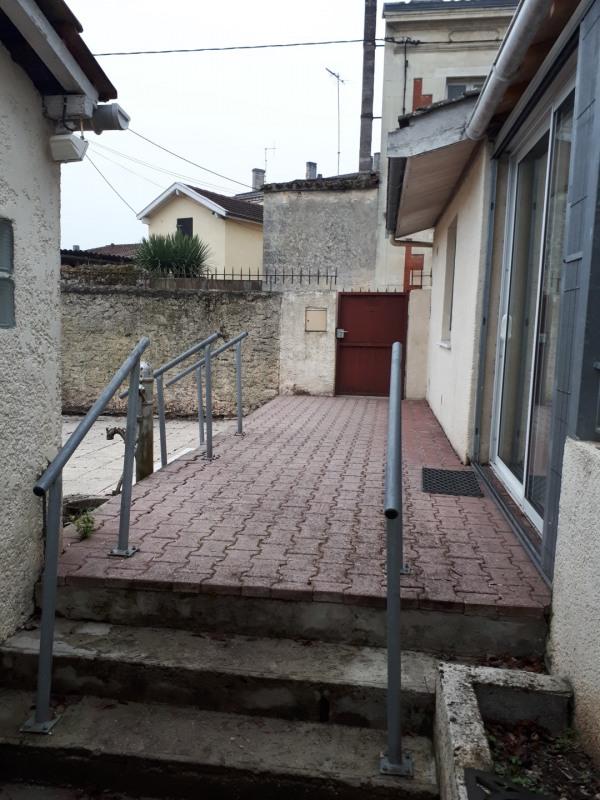 Location maison / villa Castres-gironde 720€ CC - Photo 14