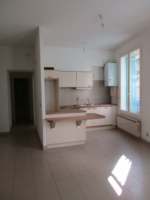 Location appartement Nimes 455€ CC - Photo 2
