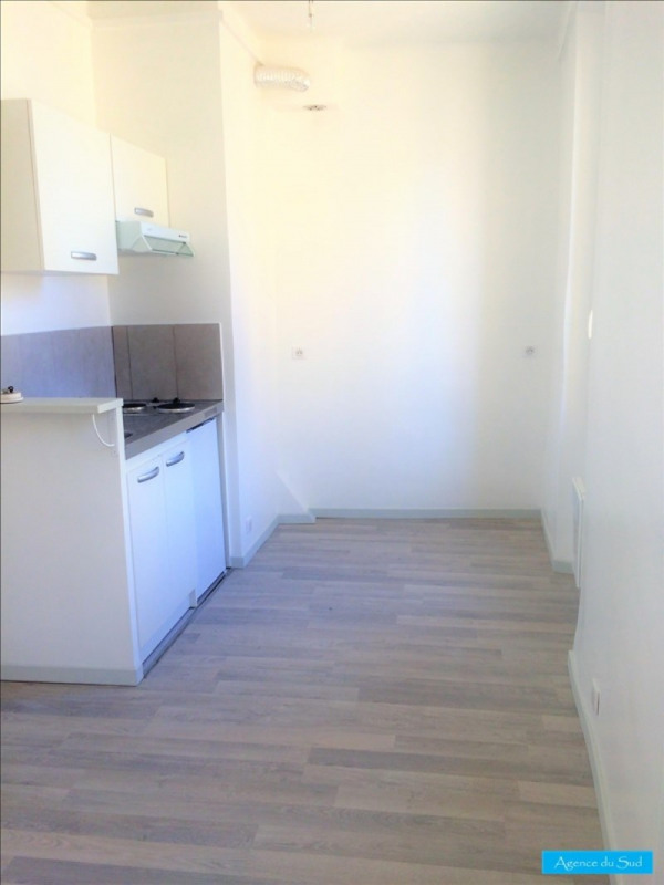 Location appartement Aubagne 460€ CC - Photo 2