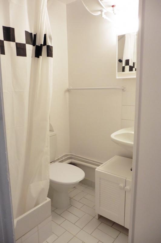 Location appartement Paris 16ème 843€ CC - Photo 2
