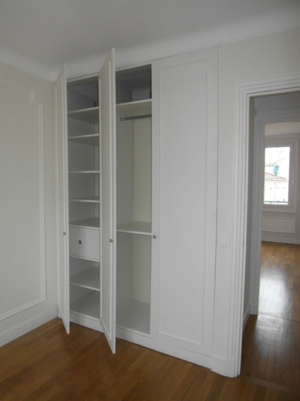 Location appartement Paris 15ème 2 330€ CC - Photo 8