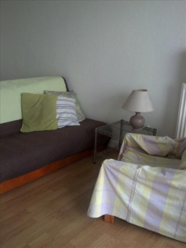 Locação apartamento Paris 18ème 830€ CC - Fotografia 4