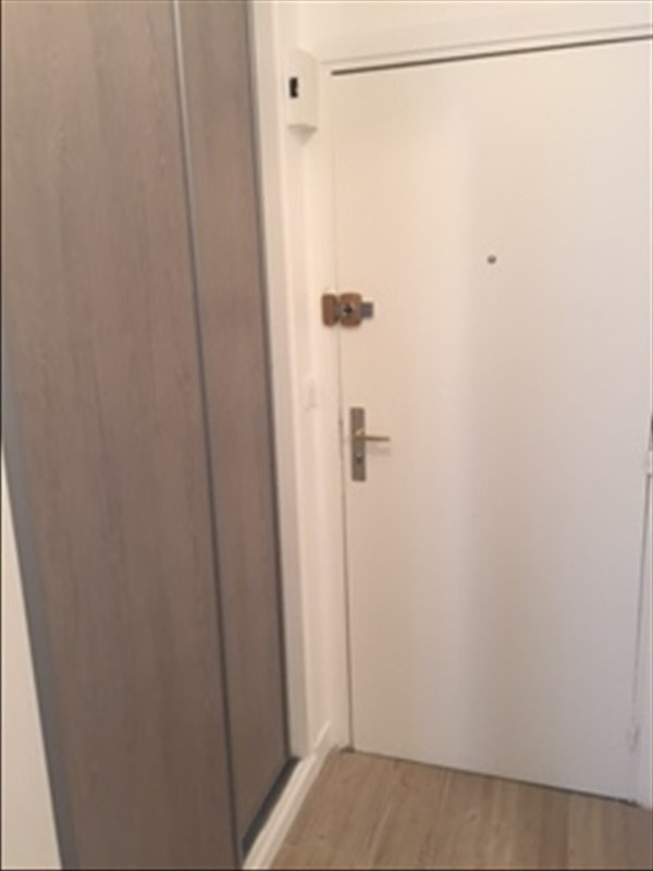 Rental apartment Paris 18ème 950€cc - Picture 4