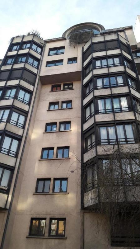 Location appartement Paris 15ème 1390€ CC - Photo 1