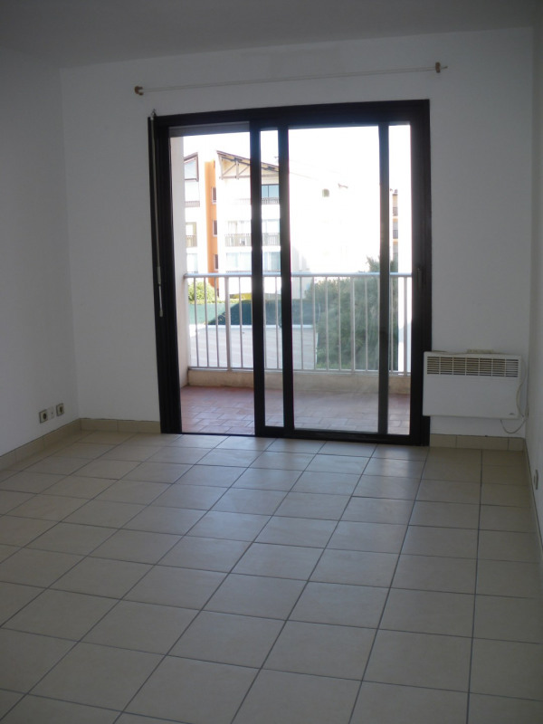 Location appartement Fréjus 550€ CC - Photo 3