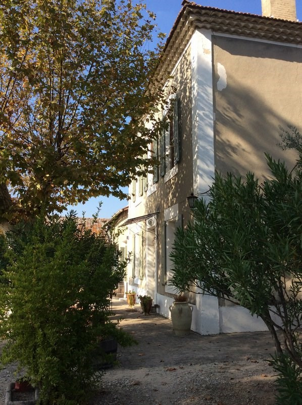 Investment property house / villa Jonquieres 493500€ - Picture 2