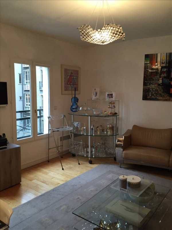 Rental apartment Paris 6ème 3 283€ CC - Picture 2