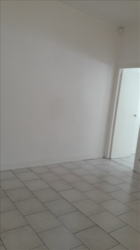 Location appartement Pointe a pitre 700€ CC - Photo 7