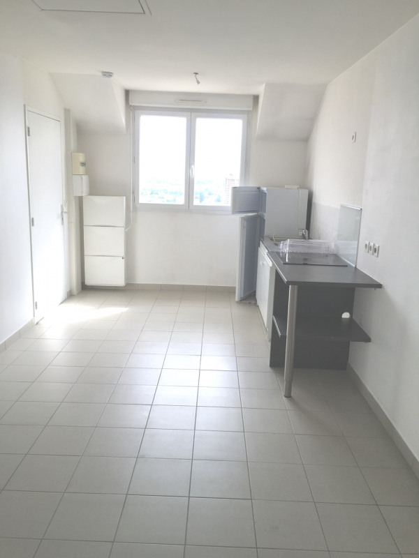 Location appartement Vitry-sur-seine 595€ CC - Photo 2