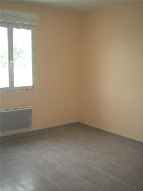 Location maison / villa Ste anne 796€ CC - Photo 5