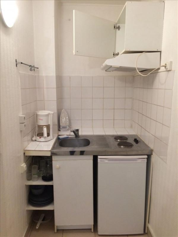 Rental apartment Paris 18ème 650€ CC - Picture 2