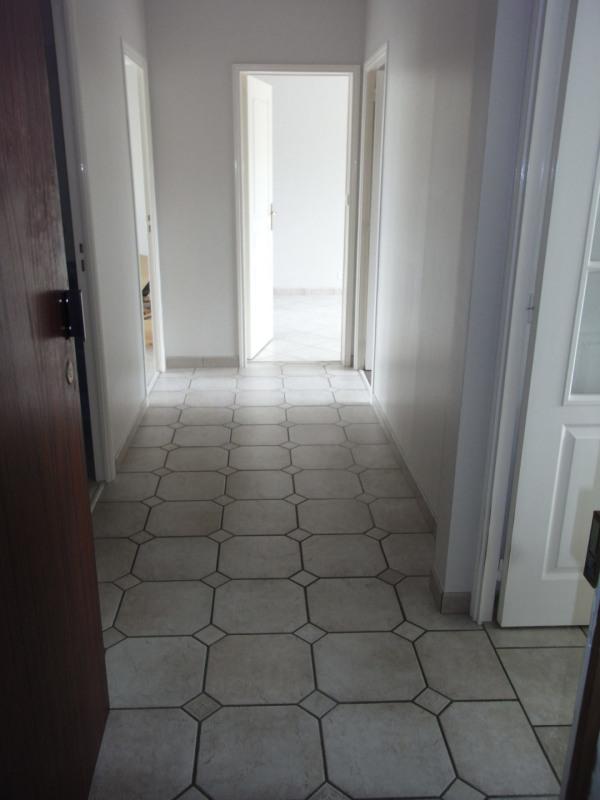 Rental apartment Irigny 724€ CC - Picture 3