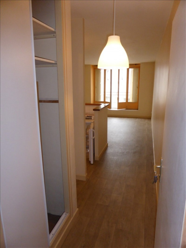 Rental apartment Auxerre 365€ CC - Picture 1
