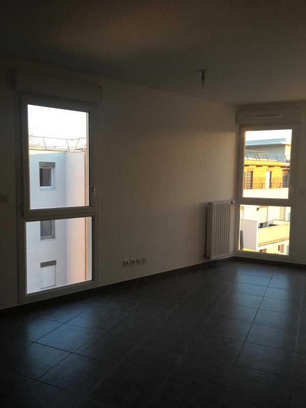 Location appartement Villeurbanne 840€ CC - Photo 3