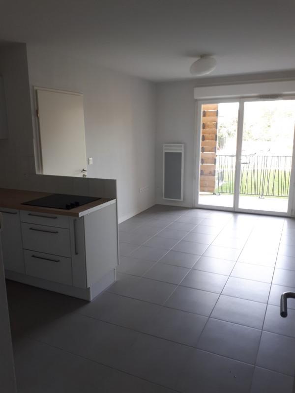 Location appartement La brède 610€ CC - Photo 3