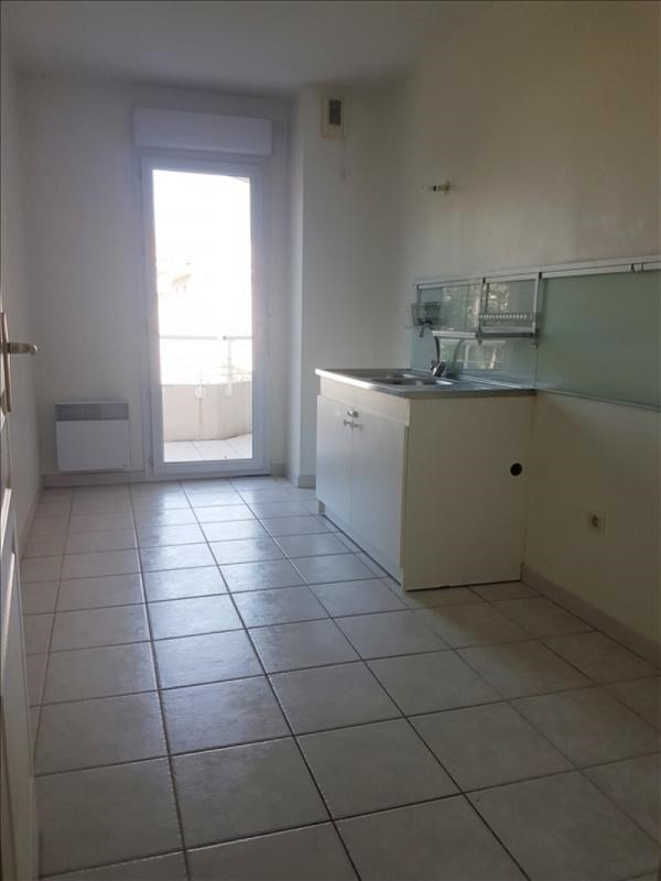 Rental apartment Toulon 814€ CC - Picture 4
