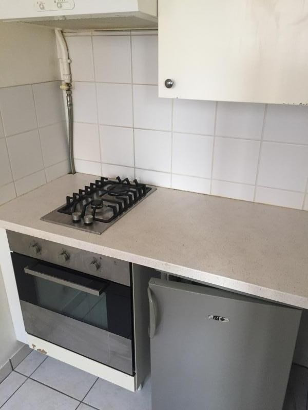 Location appartement Marseille 8ème 498€ CC - Photo 2