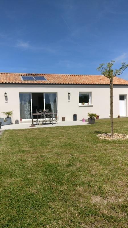 Sale house / villa Maisdon sur sevre 228900€ - Picture 1