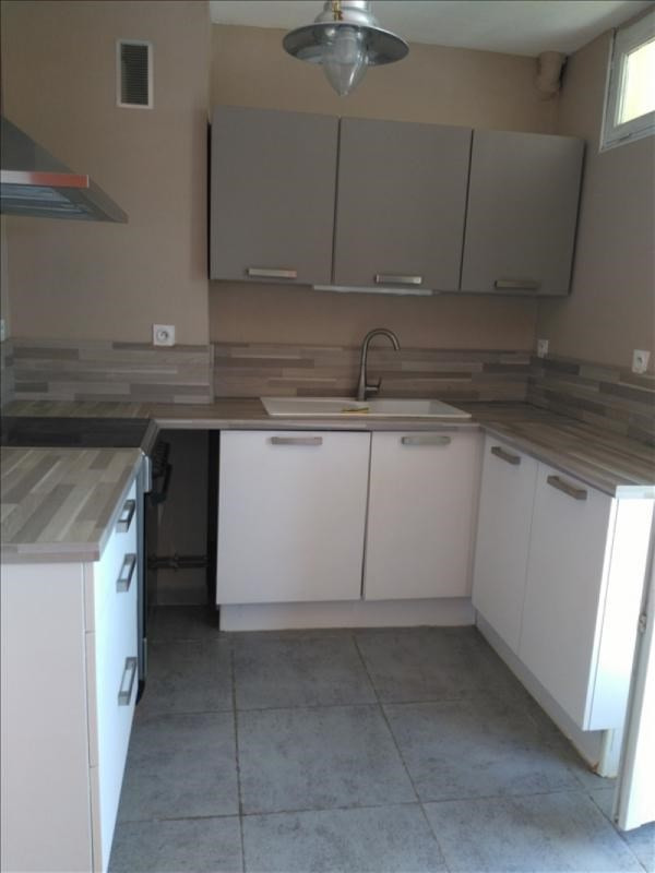 Location appartement Nimes 775€ CC - Photo 3