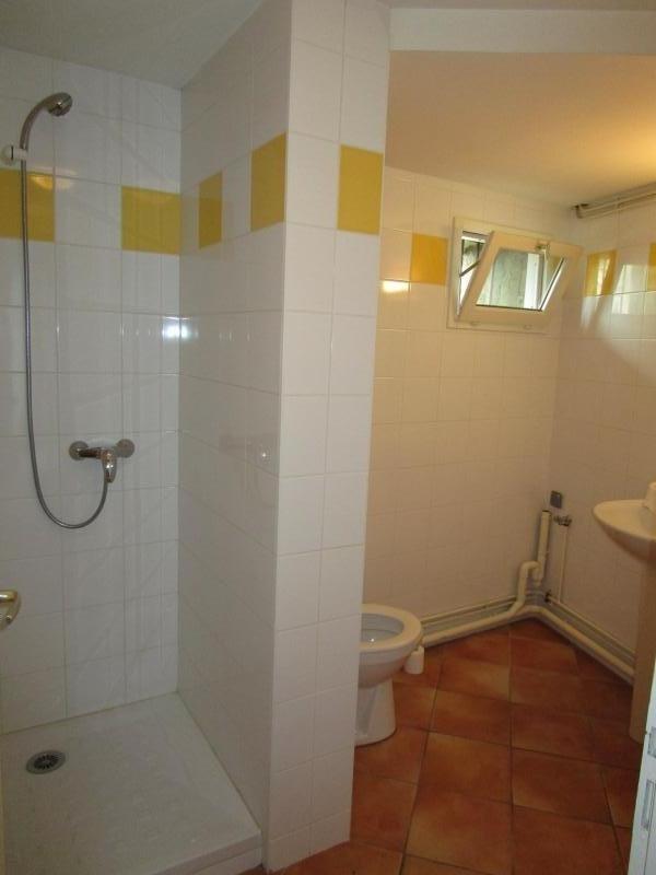 Rental apartment Blaye 328€ CC - Picture 2