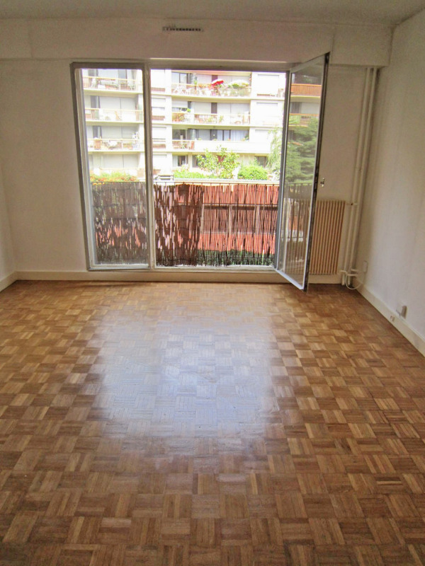 Location appartement Paris 18ème 607€ CC - Photo 4