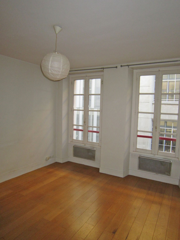 Location appartement Paris 6ème 950€ CC - Photo 4