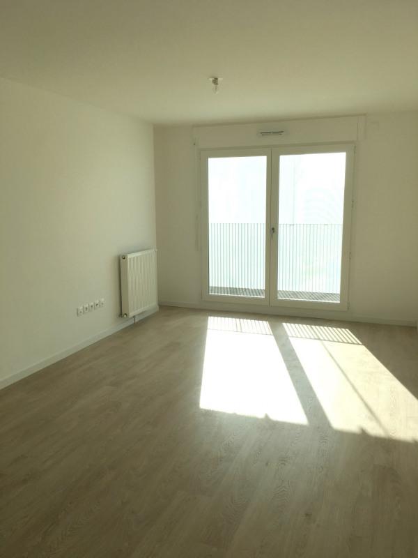 Rental apartment Asnières-sur-seine 990€ CC - Picture 2
