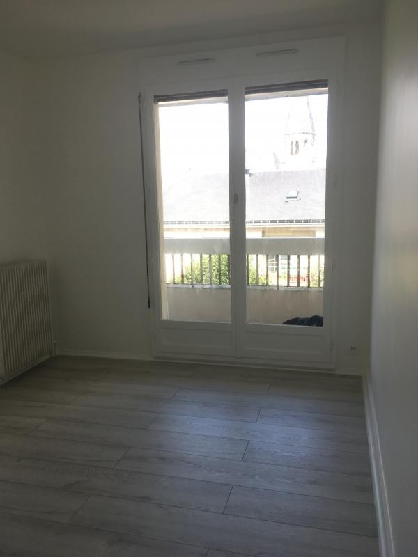 Rental apartment Poissy 900€ CC - Picture 3