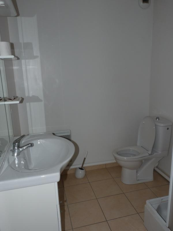 Location appartement La roche sur yon 402€ CC - Photo 3